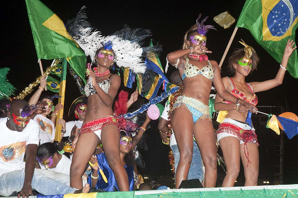 Carnaval international de Libreville 2013 © Christian Moussouami / Gabonreview